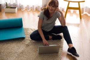 Read more about the article Pilates zu Hause lernen – 5 Tipps für mehr Erfolg